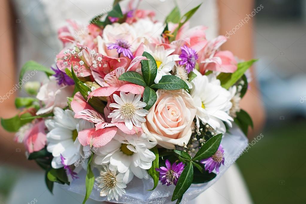 весільний букет з яскравих квітів — Стокове фото — колір © irlina75 ... 28b650d403fa5