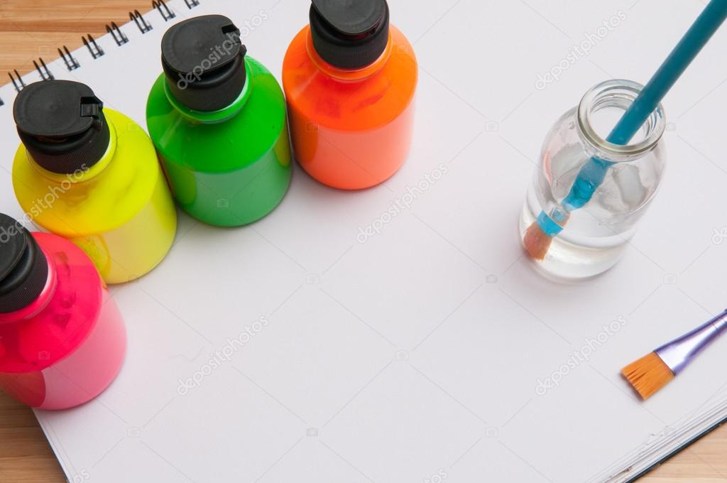 Pinturas y pinceles para niños   Brillante color potes de pintura ...