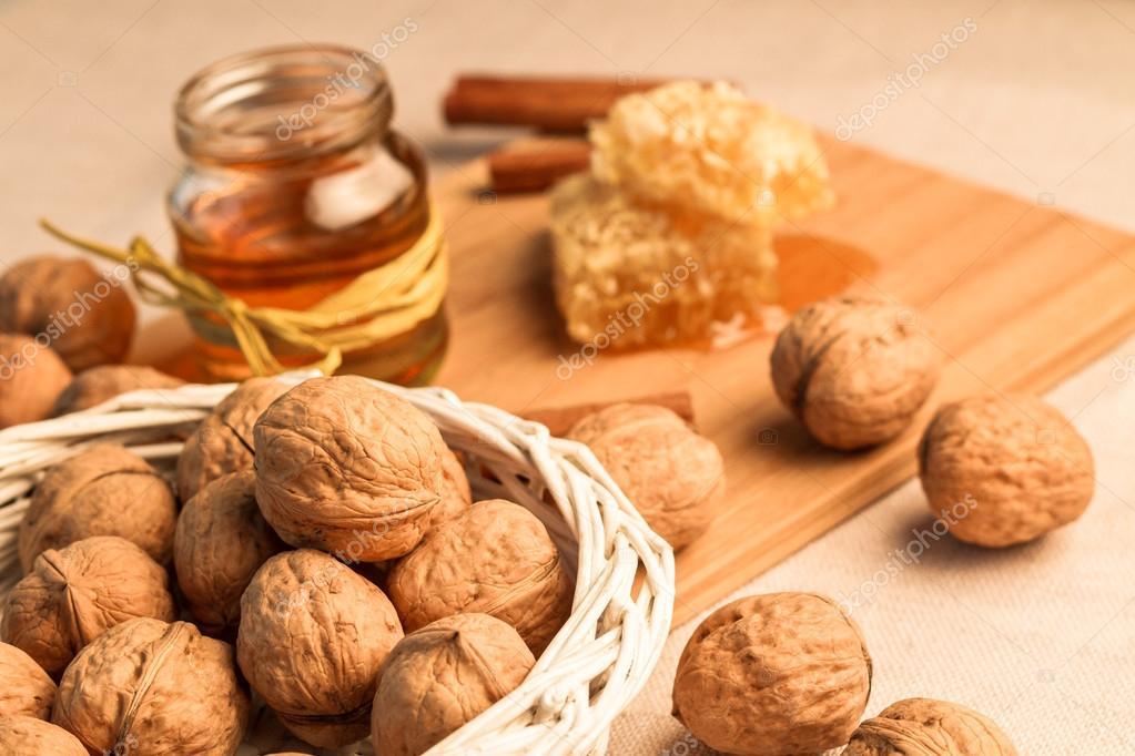 мед изюм и орехи от простатита