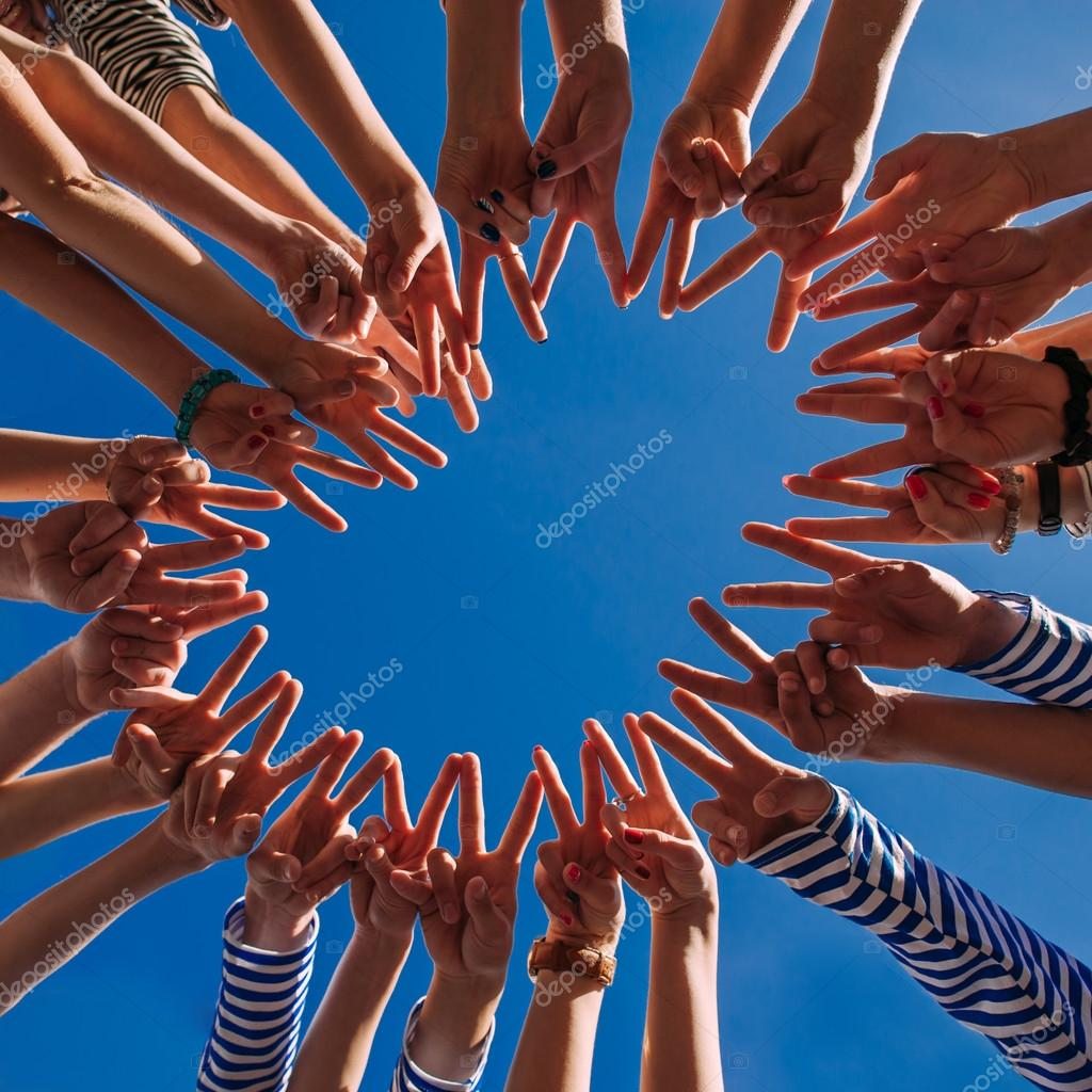 hands forming a circle