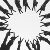Fotografie Hände, die einen Kreis bilden