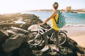 Fotografie sports girl cyclist stands