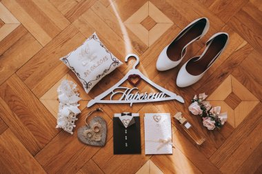 Set of bride wedding accessories