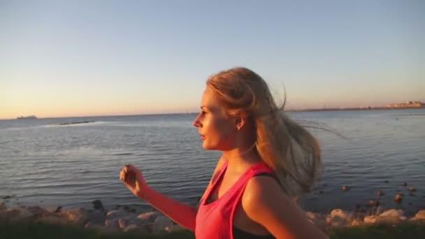 ženská síla chůze
