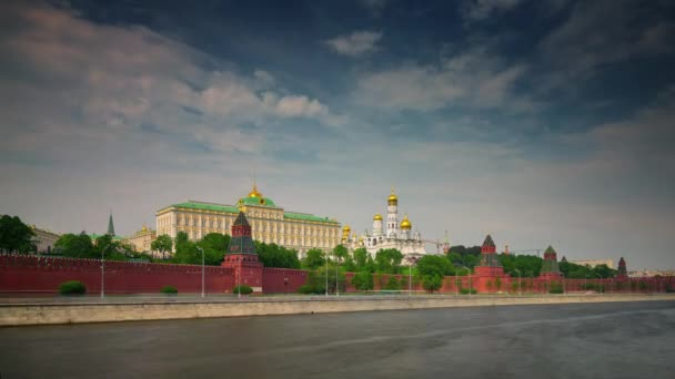 sunny day moscow kremlin river bay traffic bay 4k time lapse russia