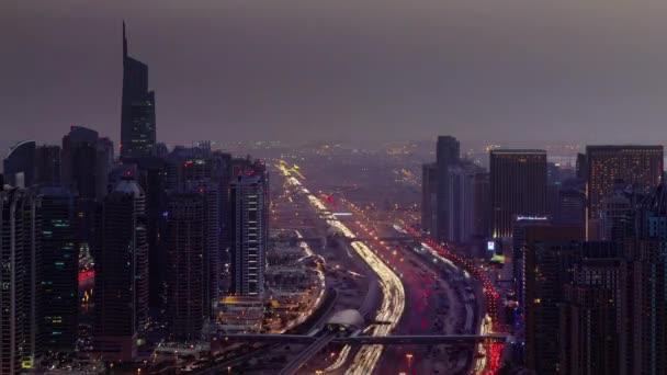 noční světlo dubai city provozu ulice střešní pohled shora 4 k čas zanikla Spojené arabské emiráty
