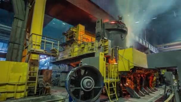 Bělorusko slavné auto továrna uvnitř stroje interiér panorama 4k časová prodleva