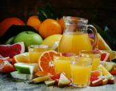 Citrusové šťávy z pomeranče, mandarinky, grepy, citrony, jablka, pomelo