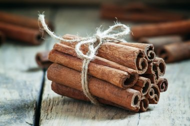 Cinnamon sticks tied with jute rope