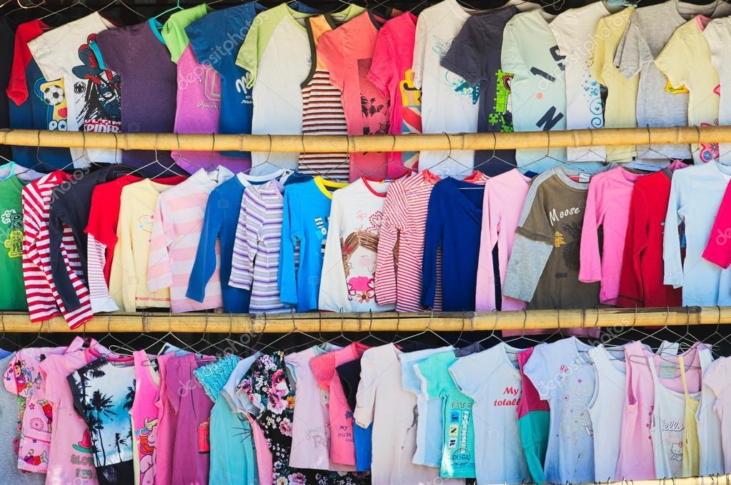 2e Hands Babykleding.Tweedehands Kinderkleding Voor Verkopen In Een Tweede Hands Markt