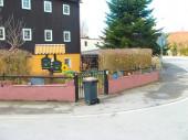 Die Straße im Dorf Cunnersdorf in Deutschland