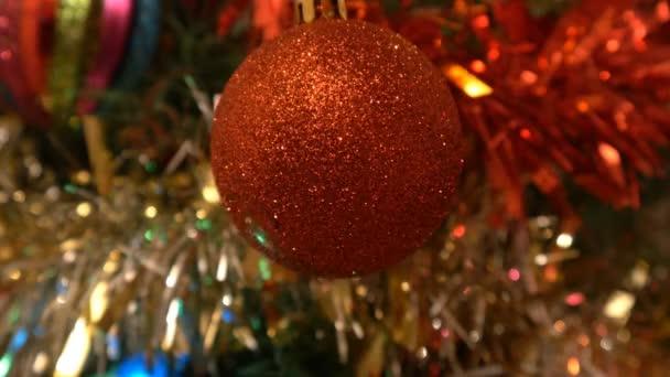 červená jiskřivé vánoční koule