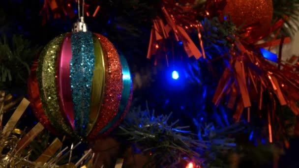 Vánoční strom a koule