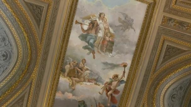 Kirchendecke mit Malerei in der Kathedrale