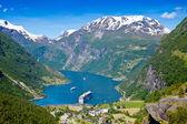 Photo Cruise ship in Geiranger fjord