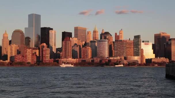 Skyline der Innenstadt von Manhattan über dem Hudson River