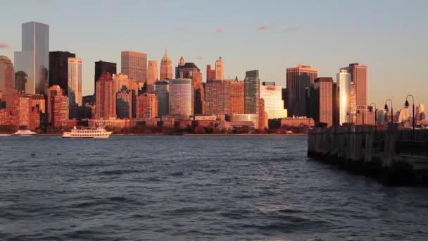 Centrum panorama Manhattanu přes řeku Hudson