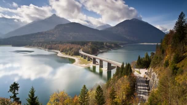 Brücke über den Sylvensteinspeicher See, Deutschland