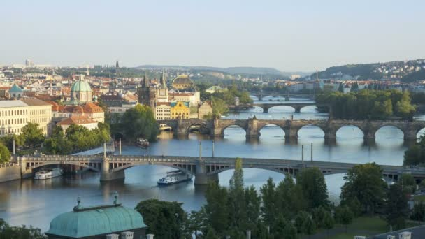 V Praze v noci osvětlené