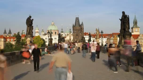 Karlův most přes řeku Vitava, Praha