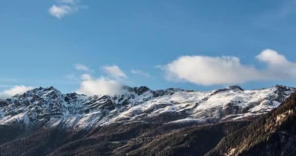 Timelapse z mraků nad Alpy