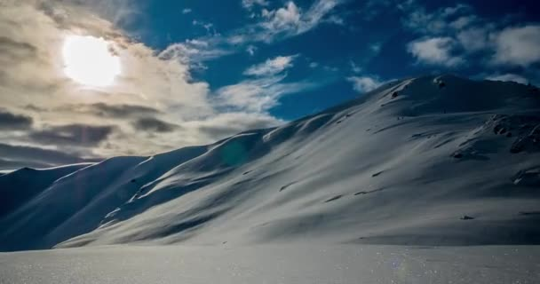 Schneeberge regungslos