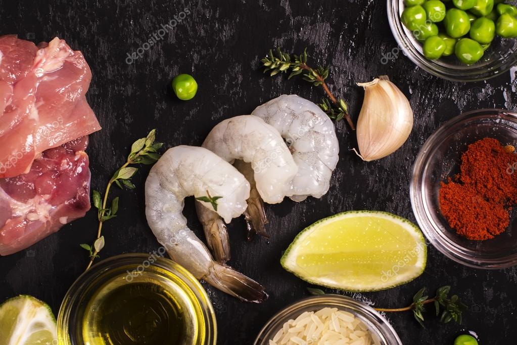 Spanish paella ingredients