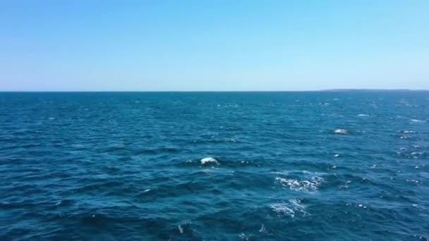 Krásné vlny na oceánu úžasné.