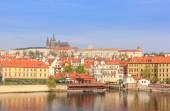 Pražský hrad a řeku Valtava