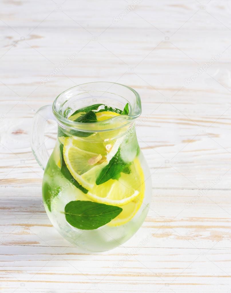 Limonade mit minze