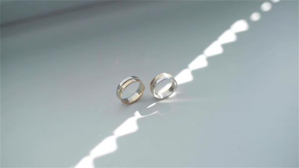 Esküvői gyűrűk és esküvői csokor, esküvői attribútumok
