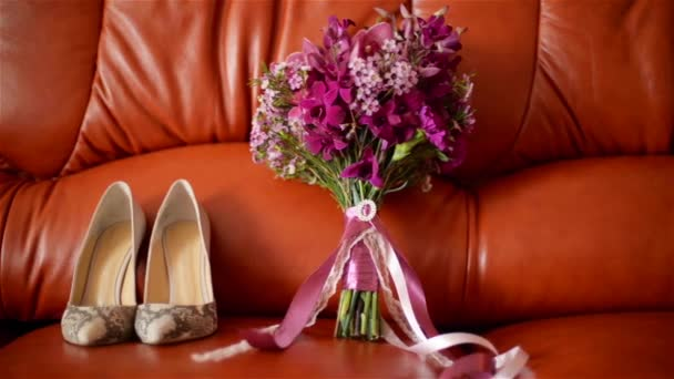 wedding shoes and wedding bouquet, Wedding attributes