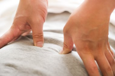 Massage to stimulate the acupuncture points in the oriental medicine