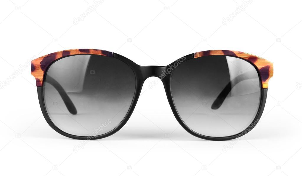4928edbbafdd83 Coole zonnebril geïsoleerd op een witte achtergrond. In zwart kunststof  frame. Bovenaanzicht. Close-up — Foto van ...