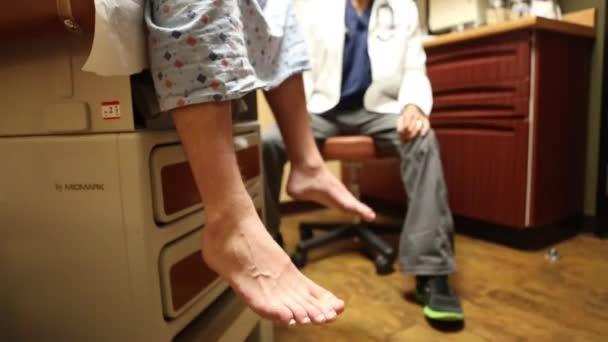 lékař s pacientem