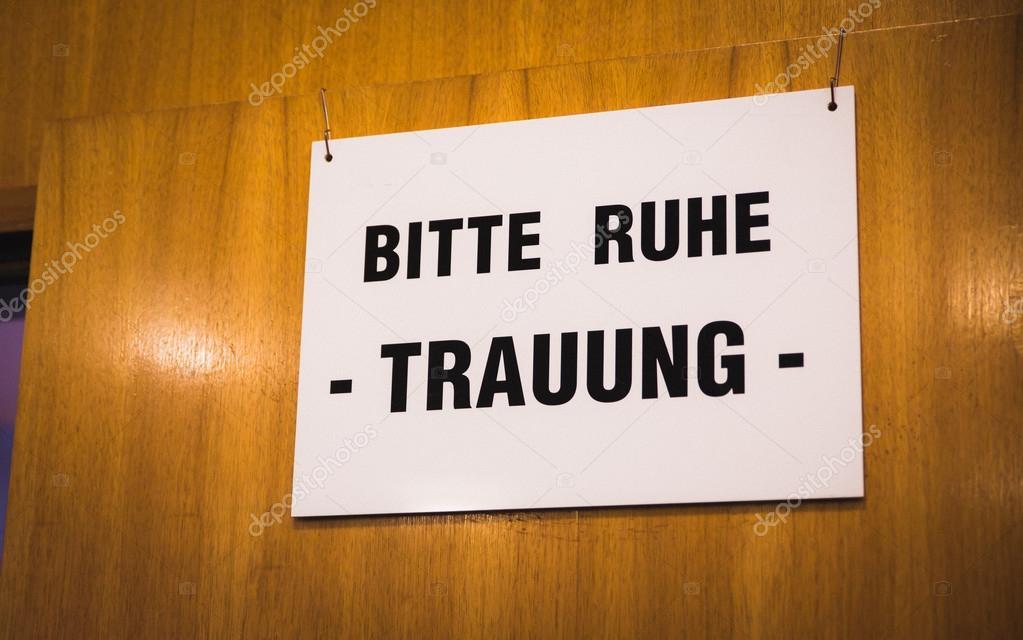 Ufficio Di Registro : Segno tedesco matrimonio allufficio del registro di sistema u2014 foto