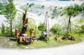Fotografie große Grube Bergwerk mit Bagger Bergbaumaschinen