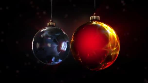 Designer-Weihnachtskugeln hängen und rotieren