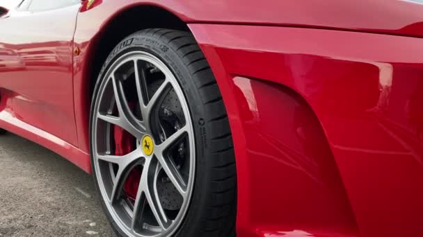 Michelin pneumatiky červené Ferrari sportovní auto