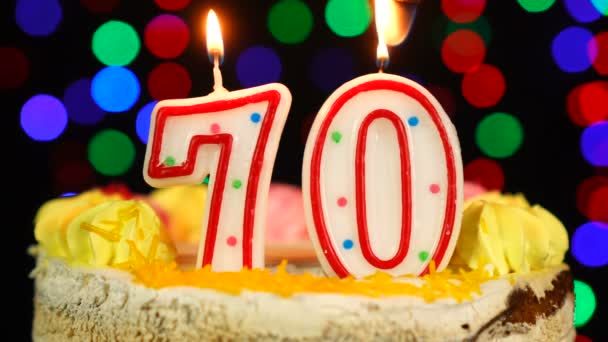 Nummer 70 Happy Birthday Cake Witg Burning Candles Topper.