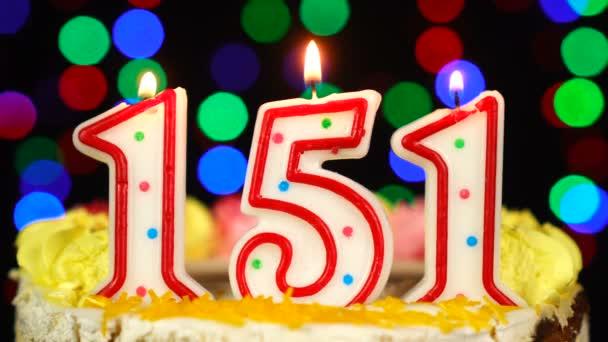 Száma 151 Boldog Születésnapot torta égő gyertyákkal Topper.
