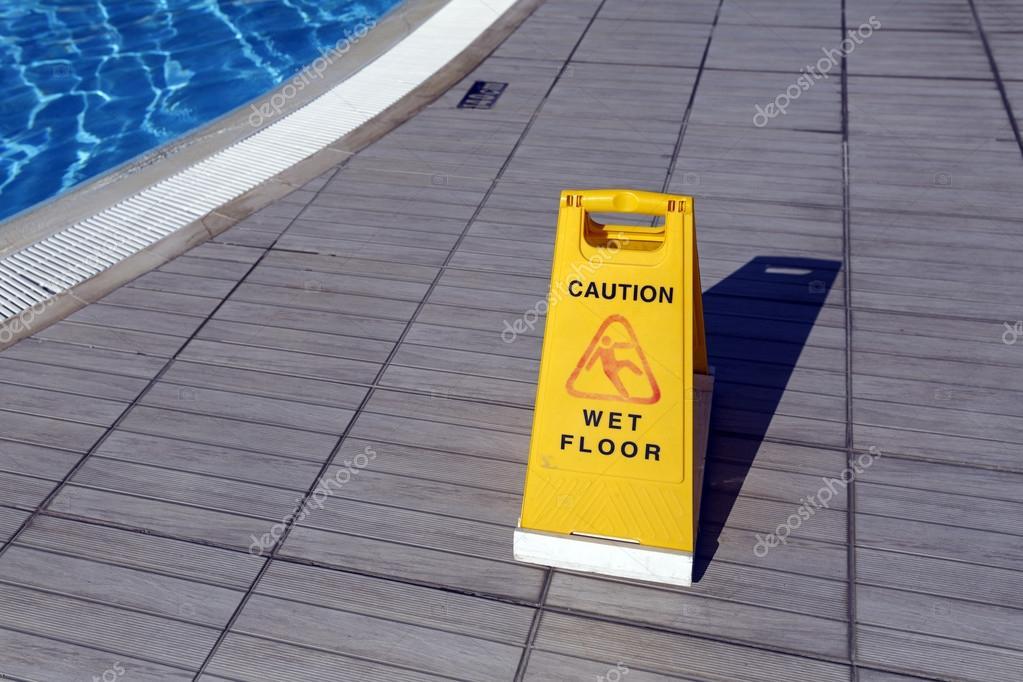 Giallo di avvertimento: attenzione pavimento bagnato u2014 foto stock