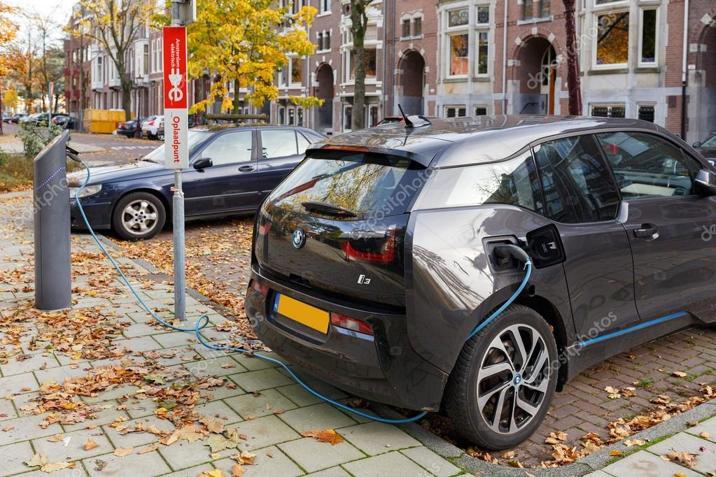 Amsterdam Nederland Oktober 25 2015 Elektrische Auto Opladen