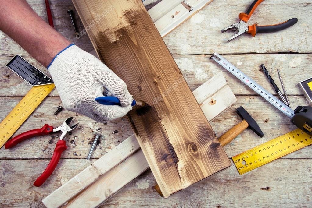 Man malt die Kammer. Maßband, Lineal, Hammer, Zange — Stockfoto © S ...