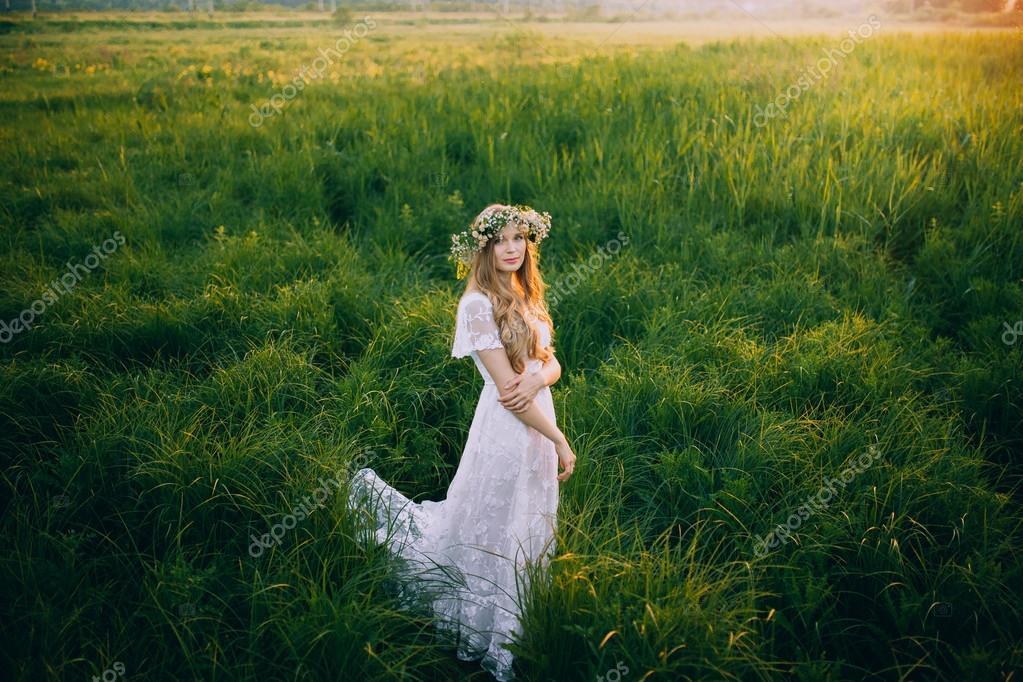 Dans Photographie Une Prairie — Amvorsuf Robe Femme La Blanche uPkOiXZ