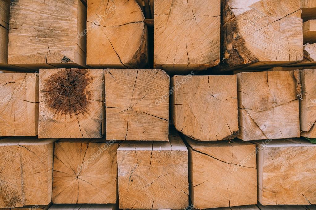 pile de planches de bois carr photographie amvorsuf. Black Bedroom Furniture Sets. Home Design Ideas