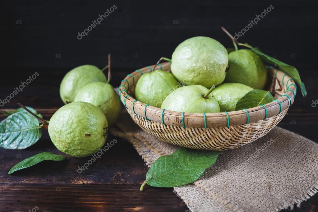 Green Vietnamese Guavas