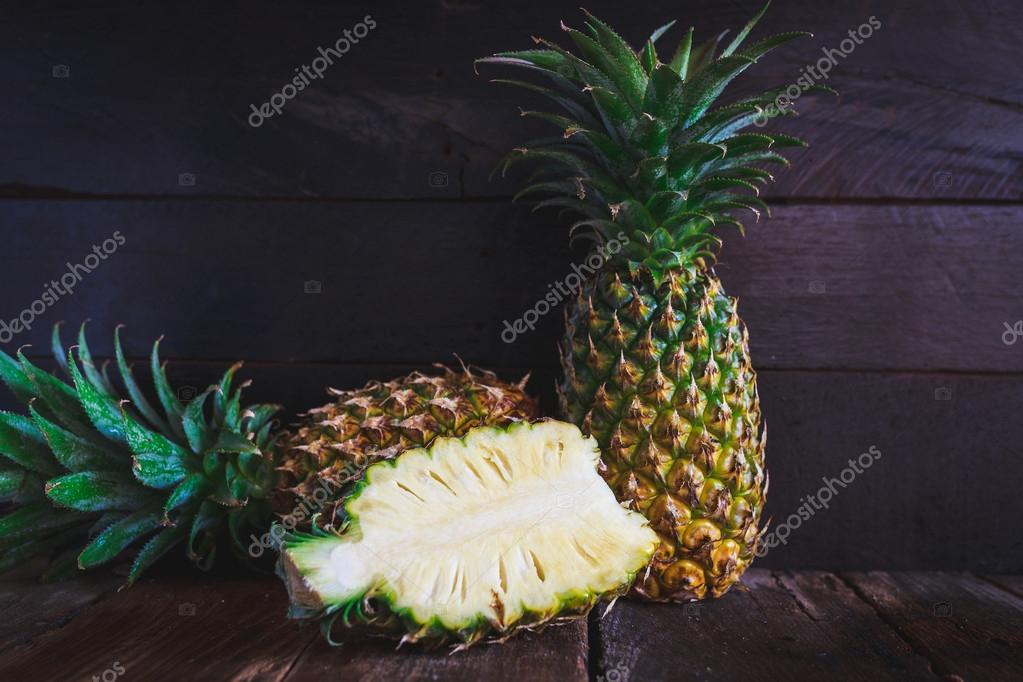 PineApples-Vietnamese pineapple