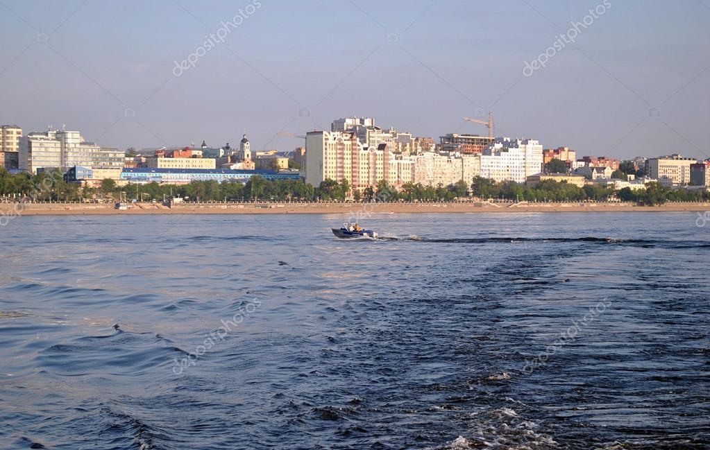 ロシア、ヴォルガ川とサマーラの...