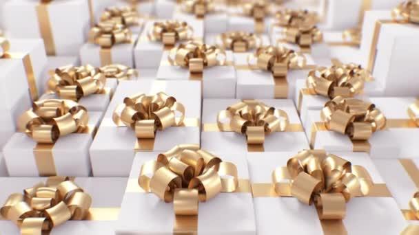 Gyönyörű végtelen ajándék dobozok perspektívából Nézd meg a fehér szín arany bordák és íjak. Looped 3D animációs sorok ajándékok DOF maszat. Ünnepi koncepció. 4k Ultra HD 3840x2160.